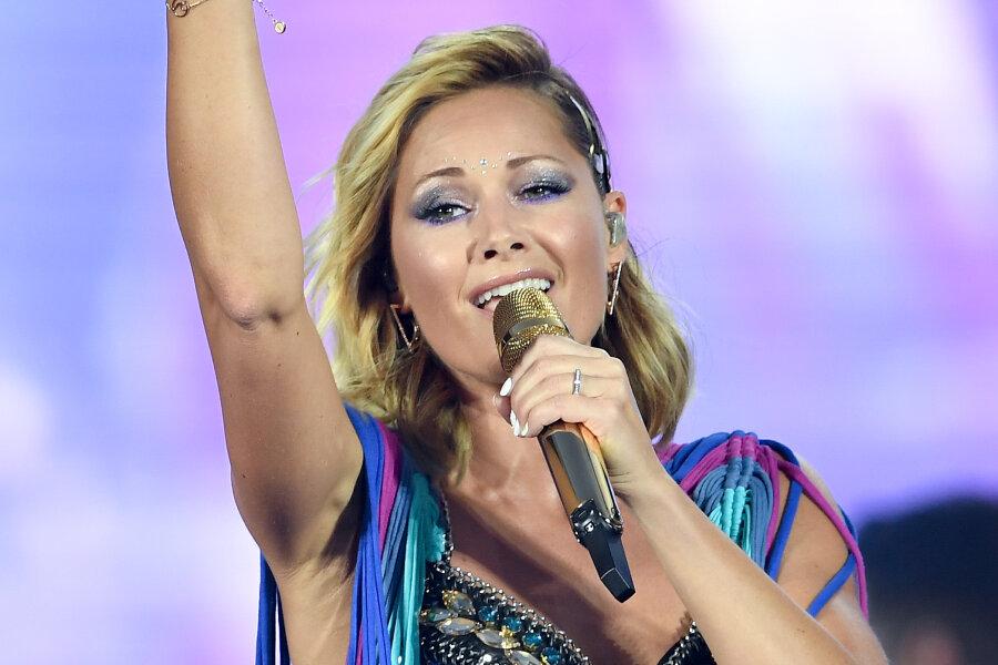 Helene Fischer auf der Bühne im Olympiastadion.