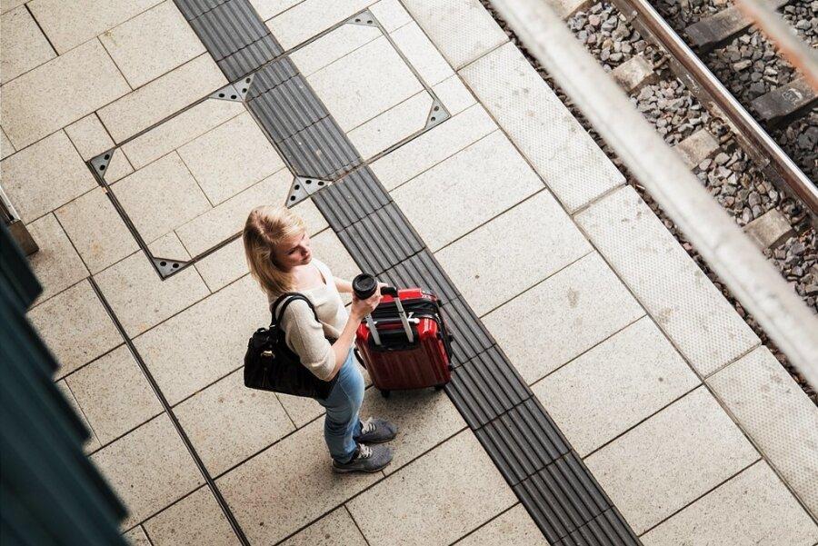 Lange Wege: Etwa jeder achte Lehrling in Südwestsachsen, der 2020 eine Ausbildung begonnen hat, nimmt für den Unterricht an der Berufsschule mehr als zwei Stunden Fahrzeit in Kauf.