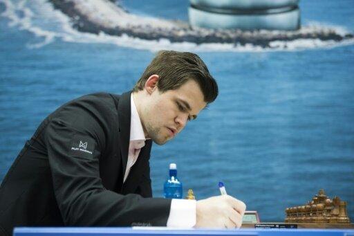 Magnus Carlsen wartet auf seinen Gegner