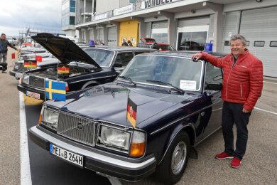 Andreas Bönisch vor einem Volvo der DDR-Staatsführung.
