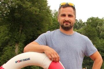 Christian Schubert ist der neue Schwimmmeister im Lengenfelder Freibad.