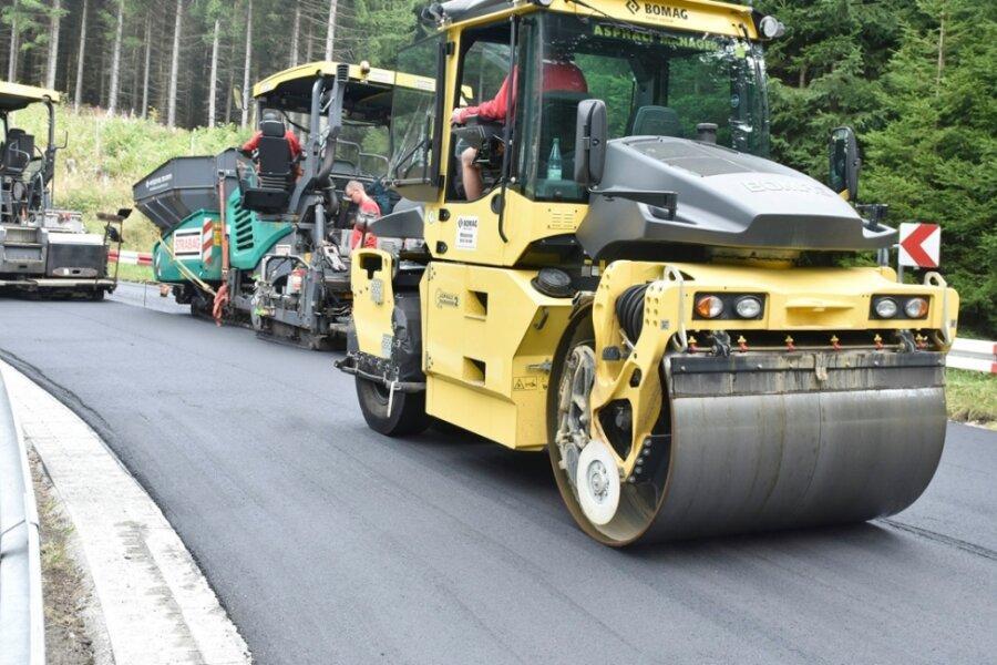B 283 zwischen Klingenthal und Mühlleithen bekommt neue Fahrbahndecke
