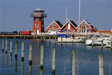 Idylle im Hafen von Bagenkop: Die Ferienhäuser sind vor allem bei Anglern sehr beliebt.