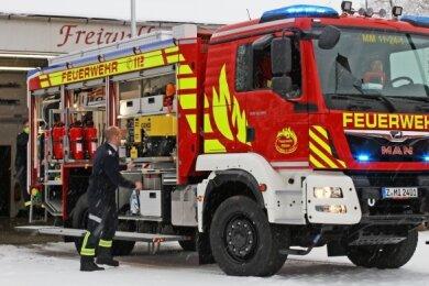 Die Michelner Wehr hat jetzt ein mit verschiedenen Löschmitteln ausgerüstetes, neues Feuerwehrauto bekommen.