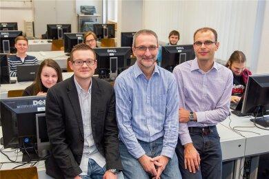 Ihr Flipped-Classroom-Konzept für Informatik kommt ihnen nun zugute: Oliver Arnold, Wolfgang Golubski und Frank Grimm von der Westsächsischen Hochschule Zwickau.
