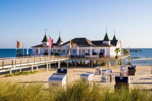 Usedom schickt 14 Urlauber aus Corona-Risiko-Gebiet zurück