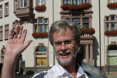 Jürgen Fischer, Kämmerer der Stadt Aue-Bad Schlema, sagt Tschüss.