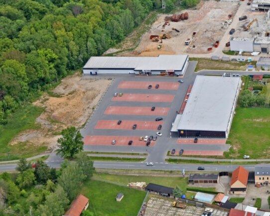 Blick auf das Gelände an der Hohen Straße: Neben Action-Markt und Lidl-Markt ist die Rewe-Ansiedlung geplant.