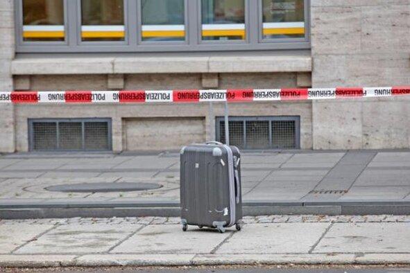 Besitzer des verdächtigen Koffers meldet sich bei Polizei