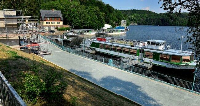 Die neue Uferpromenade im Hafen der Talsperre Kriebstein. Am Samstag legt hier erstmals ein großes Fahrgastschiff ab.