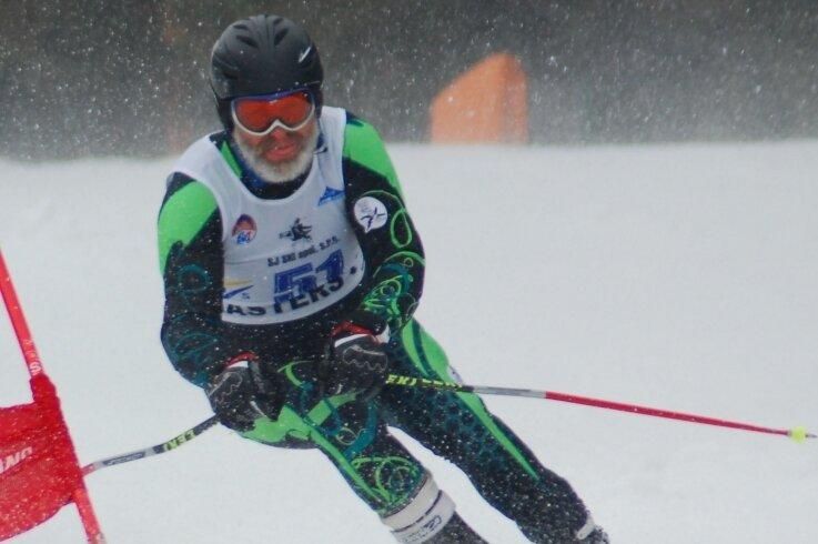 Gerd Seidel aus Reinsberg gehört seit Jahren zu den besten deutschen Alpinskiläufern seiner Altersklasse. Kommende Woche startet der 68-Jährige in Cortina d'Ampezzo bei seiner zweiten Weltmeisterschaft. Insgesamt gehen bei der Masters-WM 200 Aktive in drei Wettbewerben an den Start.