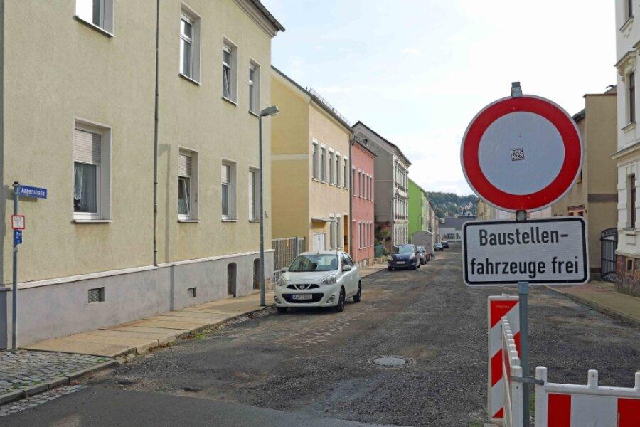 Die Stadt Crimmitschau muss für die Erneuerung der Annenstraße tiefer in die Tasche greifen.