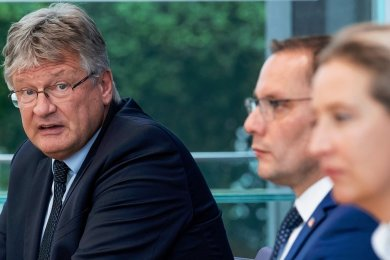 AfD-Chef Jörg Meuthen (v.l.) interpretiert das Wahlergebnis anders als die Spitzenkandidaten Tino Chrupalla und Alice Weidel.