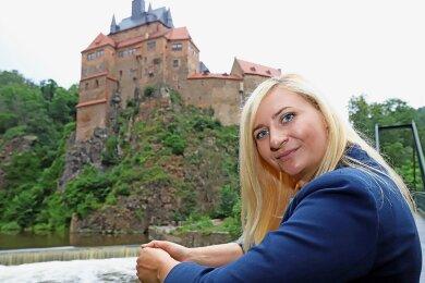 Die Burg Kriebstein gehört zu den Orten in Mittelsachsen, welche die Bundestagskandidatin Carolin Bachmann aus der Kinderzeit kennt und nach ihrer Rückkehr in die Heimat im Jahr 2014 wieder neu für sich entdeckt hatte.