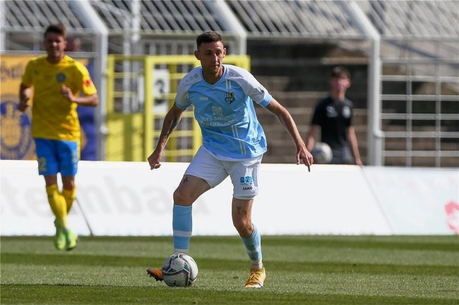 CFC-Mittelfeldspieler Christian Bickel ist an Covid-19 erkrankt und fällt aus.