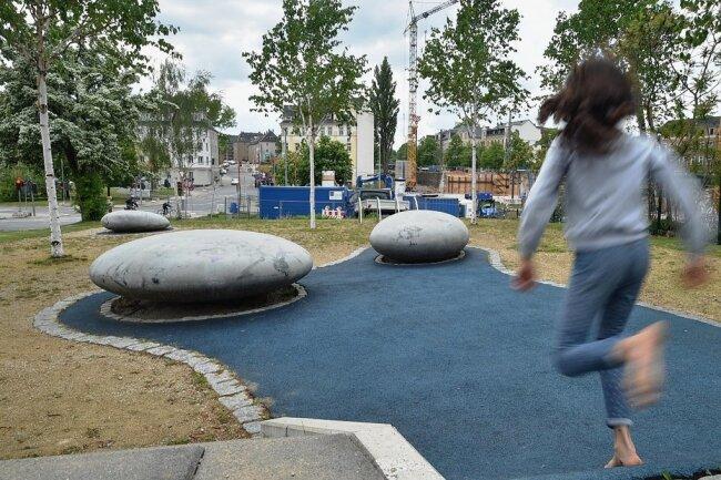 An der Martinstraße Ecke Augustusburger Straße befindet sich auch ein Spielplatz.