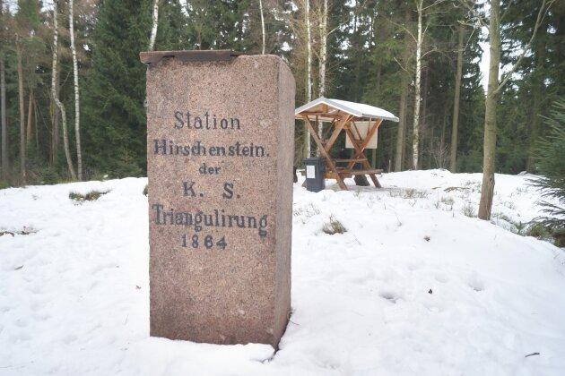 Der Hirschenstein im Hartmannsdorfer Forst.