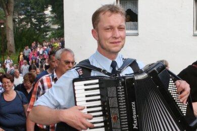 Jörg Heinicke und Dr Paul haben die Sonderführung mit ihren Akkordeons musikalisch begleitet.