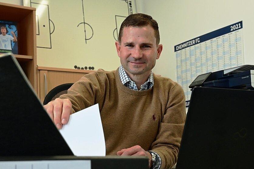 """Marc Arnold hat Anfang dieses Monats seinen Posten als Geschäftsführer Sport beim Chemnitzer FC angetreten. Seine Familie mit zwei Kindern lebt weiterhin in Braunschweig. """"Wir werden sehen, wie wir das auf Dauer lösen"""", sagt Arnold, der beim CFC einen langfristigen Vertrag unterschrieben hat."""