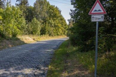 Die Auffahrt zum Sauberg soll grundhaft saniert werden. Dafür müssen aber unter Tage erst Sicherungsarbeiten gemacht werden.