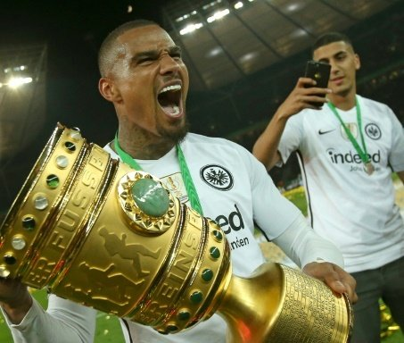 Boateng gewann zum Abschied mit Frankfurt den DFB-Pokal