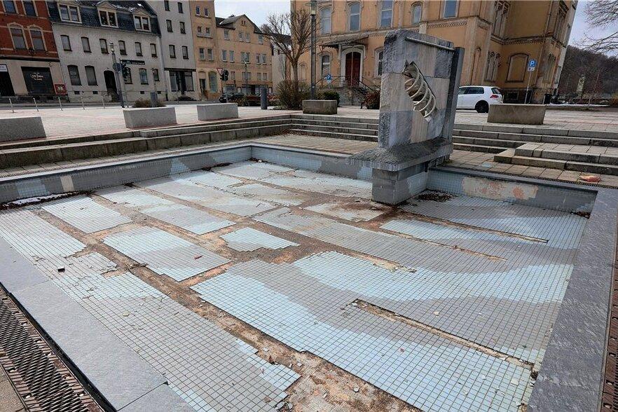 Die Sanierung des Springbrunnens gehört zu den Maßnahmen, die weder dieses noch kommendes Jahr realisiert werden.