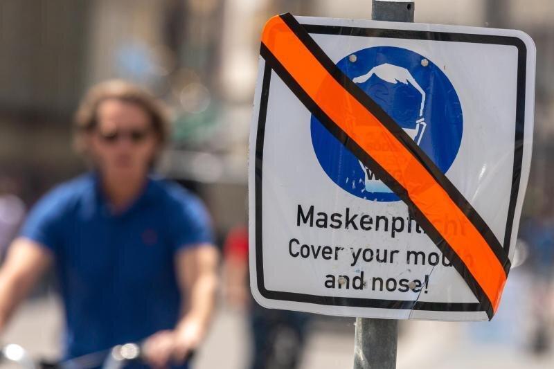 Trotz Inzidenz von über 200: Zweiradhändler aus Glauchau ignoriert Maskenpflicht