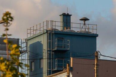In Meinsdorf befindet sich die Sirene auf einem Firmengebäude. Das soll sich mit der Erneuerung des Frühwarnsystems ändern.