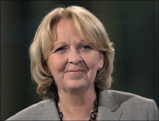 """Hannelore Kraft hatte Mühe, nach Bekanntgabe der ersten Hochrechnungen gegen den Jubel ihrer Anhänger anzukommen. """"Die SPD ist wieder da"""", freute sich die Spitzenkandidatin der Sozialdemokraten und rief sich schon mal zur Ministerpräsidentin aus."""
