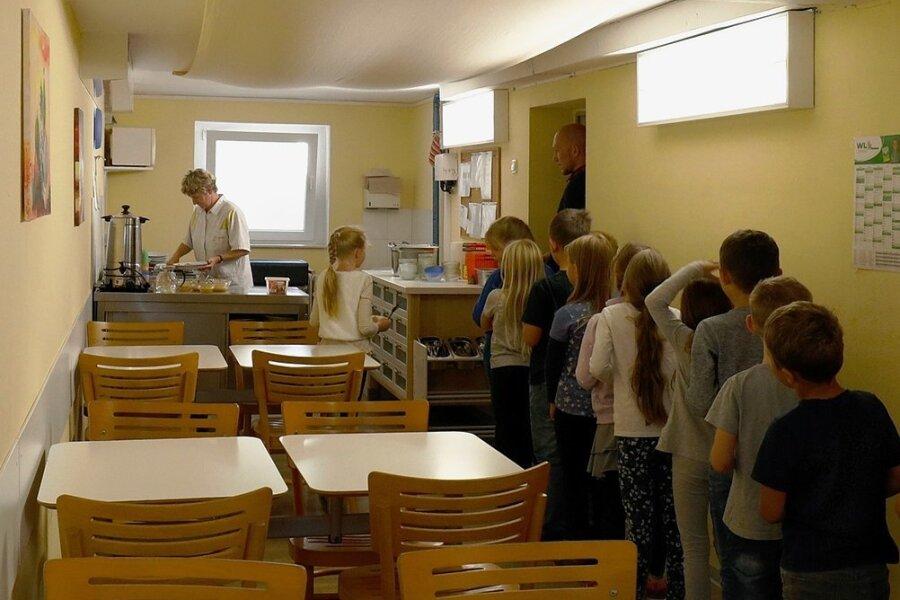 Im Speiseraum der Bräunsdorfer Grundschule ging es bisher immer recht eng zu. Daran sollte sich etwas ändern.