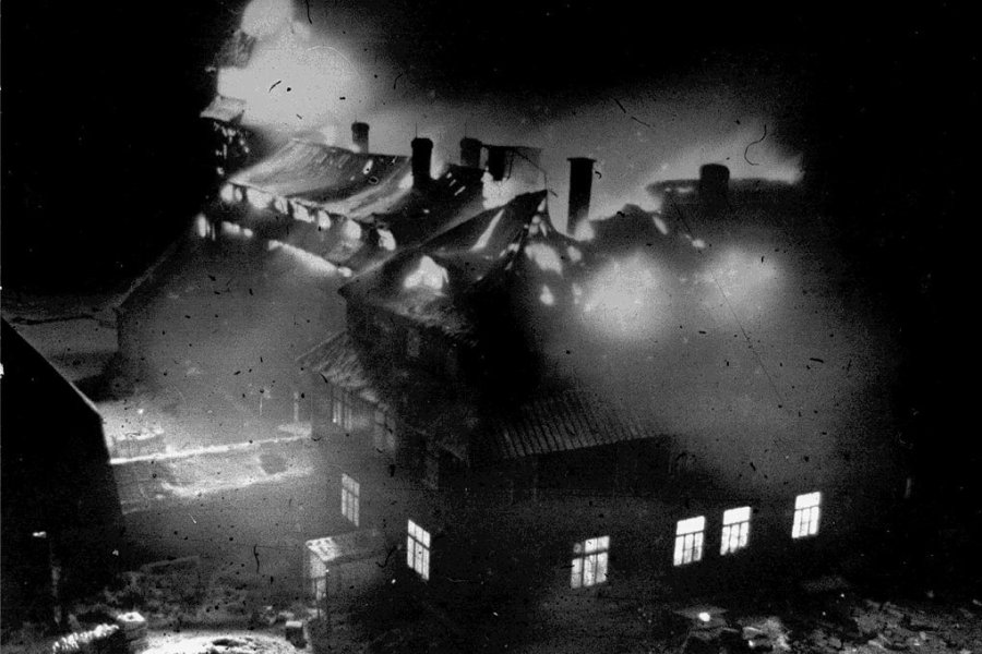 Mitten in der Wintersaison 1963 brannte das Fichtelberghaus ab.