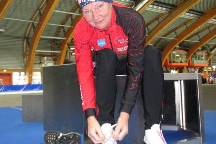 Im September gibt Ute Zillmann ihre Arztpraxis in Reichenbach ab. Die bald 66-Jährige hofft, dass dann auch ein bisschen mehr Zeit für den Eisschnelllaufsport und das eigene Training bleibt.