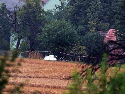 Auf dem Gelände eines Bauernhofes in Lampersdorf hat die Polizei eine grausige Entdeckung gemacht.