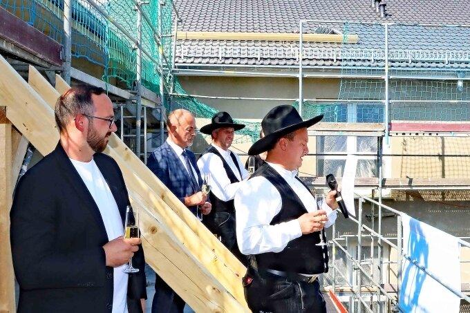 Richtfest für Seniorenresidenz in Fraureuth