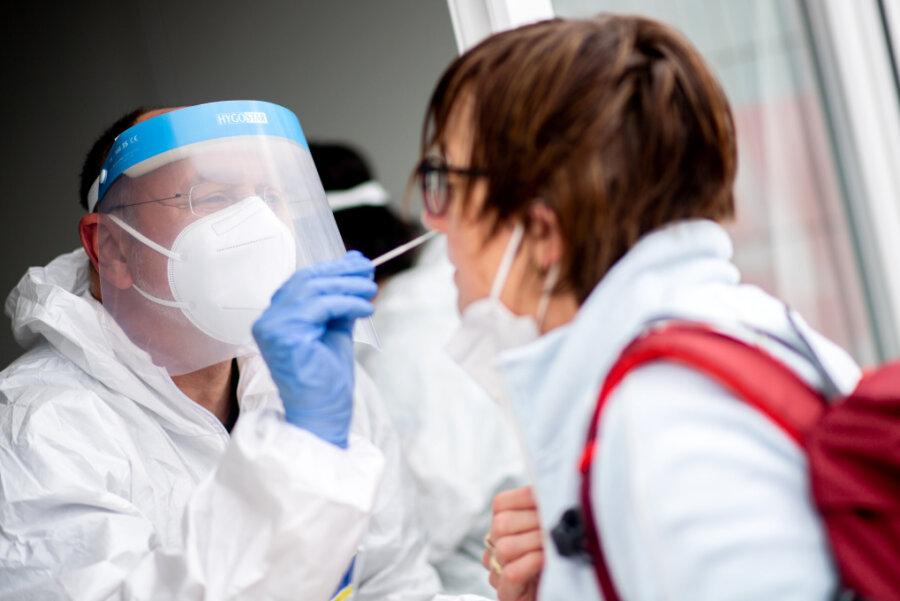 Newsblog Corona: Erstmals seit August weniger als 500 Neuinfektionen am Tag