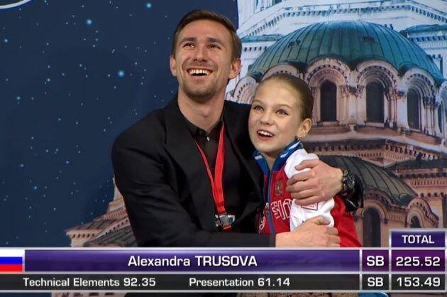 Die 13-jährige Alexandra Trusowa (r.) hat in Sofia einen neuen Weltrekord aufgestellt.