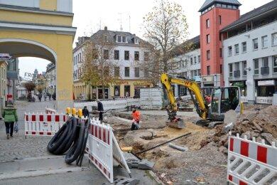 Blick auf den Taubenmarkt in Crimmitschau: Der Bereich ist eine riesige Baustelle.