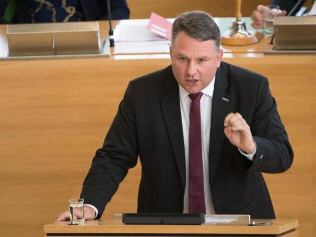 Christian Hartmann (CDU) spricht während der Sitzung des Sächsischen Landtags.
