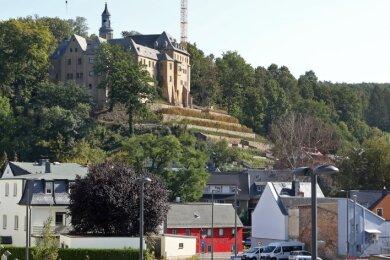 Das geplante Bettenhaus soll im Gesamtbild, vor allem in Bezug auf das Schloss, so wenig dominant wie möglich wirken.