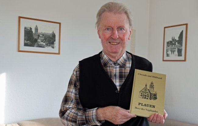 Walter G. Tümpner hat die 7. überarbeitete Auflage seiner Stadtchronik herausgegeben.