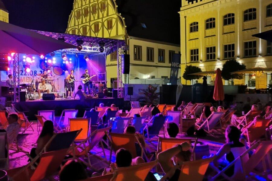 Sommerfreude mit der Rio-Reiser-Band am Sonntagabend auf dem Zwickauer Hauptmarkt.
