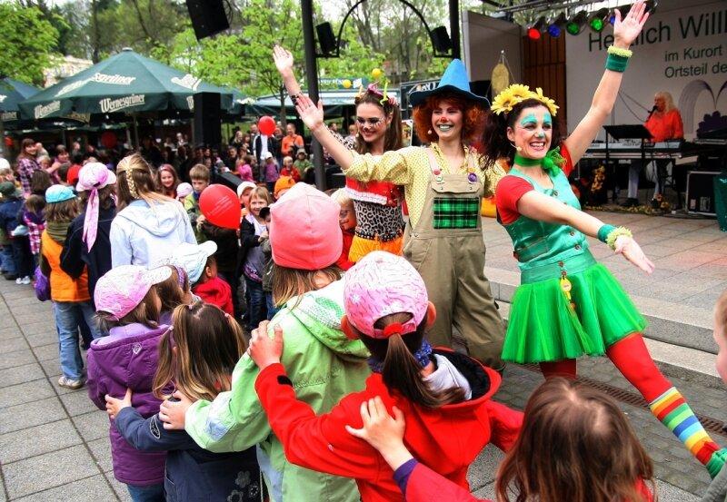 Ein Höhepunkt zum 13. Kurparkfest: die Aufführung des Traumzauberbaum-Musicals.
