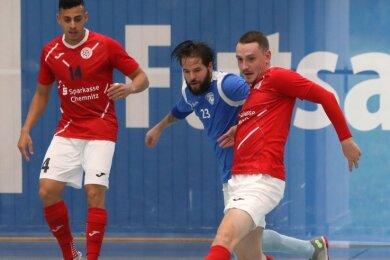 Ondrej Mica (am Ball) spielte mit HOT 05 Futsal am Wochenende gleich zweimal gegen den tschechischen Meister aus Plzen.