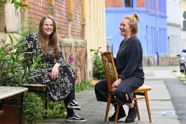 Erne Schell (links) und ihre Kollegin Julia Katzberg wollen jungen Menschen bei der Umsetzung ihrer sozialen Projekte helfen.