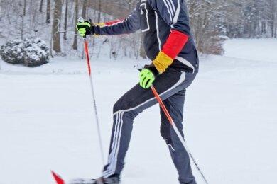 Mit Schneeschuhen an den Füßen und Langlaufstöcken in der Hand stapfte Stephan Künzel kilometerweit durch den Tiefschnee und holte sich so Kraft und Kondition für die neue Radsportsaison.