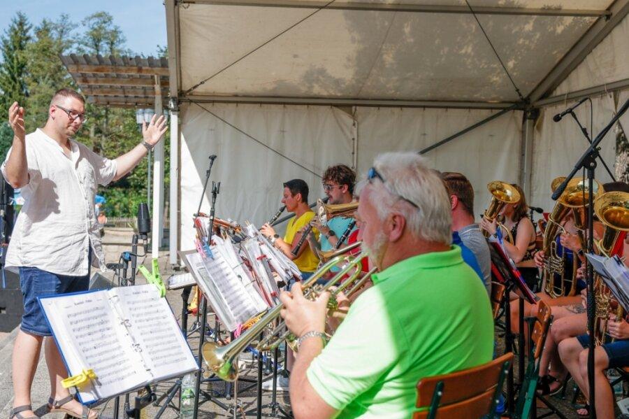Schlossinsel Rodewisch: Auch rockige Klänge folgt Blasmusik