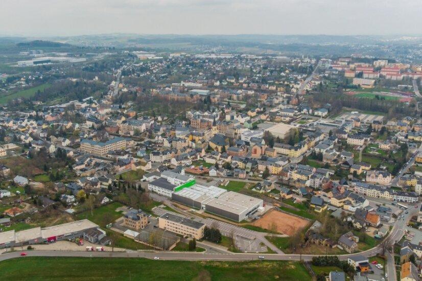 Blick von ganz oben auf Stollberg. Die Stadt will das örtliche Wärmenetz kaufen.