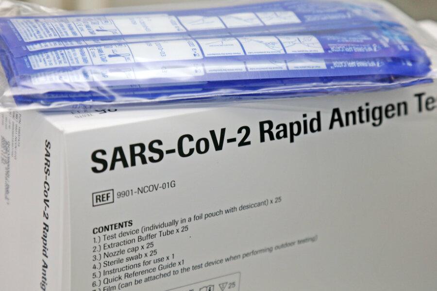 Corona-Lage im Vogtland: Impfzentrum bleibt Brennpunkt