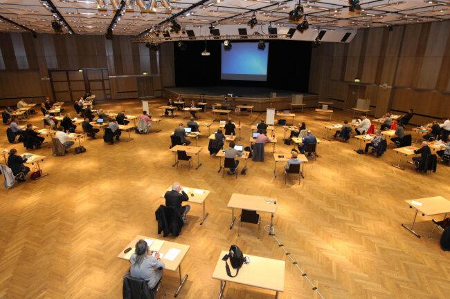 Ordentlich durchgeschüttelt hat es den Stadtrat am Dienstag in der Plauener Festhalle (Archivbild).