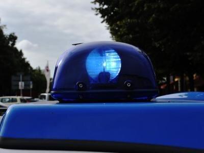 Unfall in Plauen: 79-Jähriger bricht am Steuer zusammen - Beifahrerin verhindert Schlimmeres